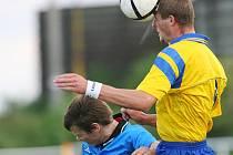 Z utkání Tuchoraz - Červené Pečky (1:2).