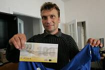 Vítěz 10. kola Vilém Löwe z Pašinky získal od redakce Kolínského deníku tričko a kupon do sázkové kanceláře Fortuna v hodnotě 100 korun.