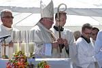 Bohoslužbu při příležitosti žehnání novému zvonu do kostela sv. Jakuba ve Stříbrné Skalici – Rovné celebroval kardinál Dominik Duka.