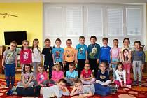 Děti z Mateřské školy ve Veltrubech.