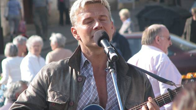 Martin Maxa na Karlově náměstí v Kolíně. 15.4. 2009