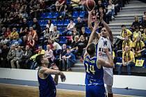 Z utkání BC Kolín - Opava (67:96).