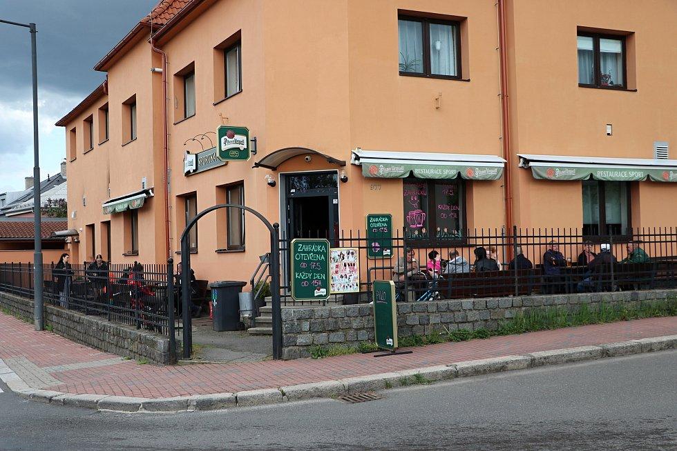 Zahrádky restaurací se otevřely také v Českém Brodě.