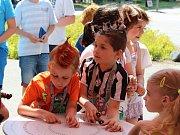 Na 4. základní škole Kolín si udělali den s crazy účesy