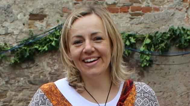 Lucie Doušová na jedné z akcí, které spolek na tvrzi v Nebovidech pořádá.