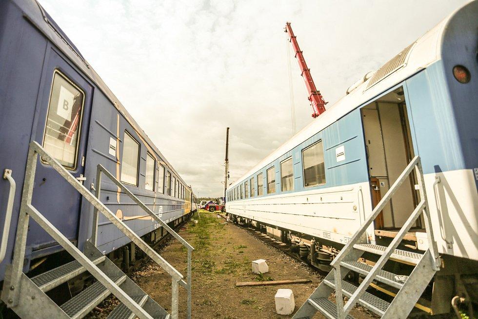 Nakládání vagonu ve víceúčelovém areálu Vigvam v Němčicích.