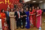 Z akce v kolínském Městském společenském domě, na které vietnamská komunita slavila konec roku.