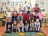 První třída ZŠ Cerhenice s třídní učitelkou Annou Vojáčkovou.