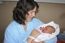 Lenka Nerudová se mamince Zdeňce a tatínkovi Pavlovi narodila 2. listopadu 2011 s mírami 3010 gramů a 50 centimetrů. Domů do Kolína pojede za bráškou Lukášem, kterému je rok a půl.