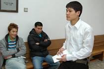 Nguyen Van Huy s bratrem