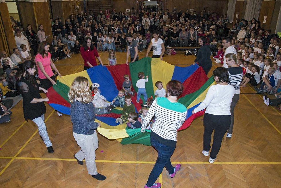 Sokolové v Českém Brodě se cvičení s dětmi věnují s mnohaletou tradicí