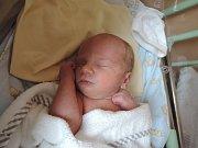 Lukáš Jaroš se narodil 23. dubna 2017 s váhou 3145 gramů a mírou 49 centimetrů. Rodiče Iveta a Jan budou svého prvorozeného syna vychovávat v Žehuni.