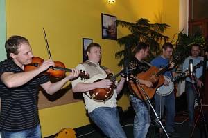 Kolínský saloon s kapelou Kvintet a Wyrton