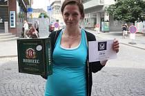Olga Studničková vyhrála karton piv značky Rohozec a poukaz v hodnotě 100,-Kč do kolínské kavárny Kristián.