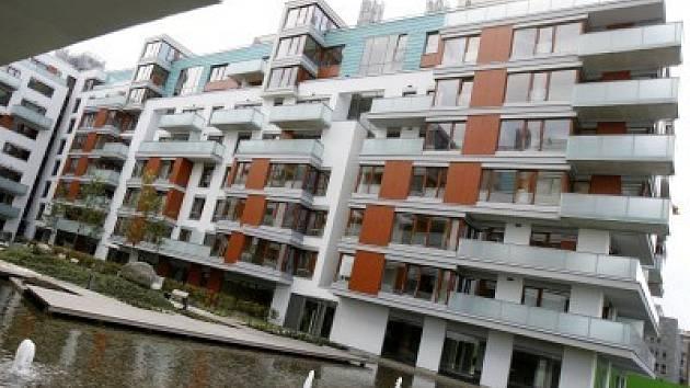 Praha už nevede. Střední Čechy překonávají metropoli co do počtu nových bytů.