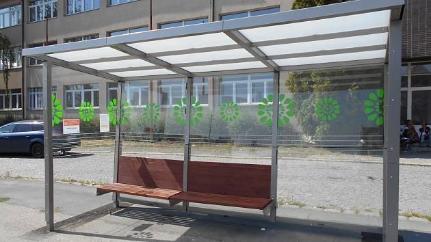 Jedna z autobusových zastávek v Kolíně.
