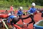 Z hasičské soutěže na atletickém stadionu M. Tučka v Kolíně.