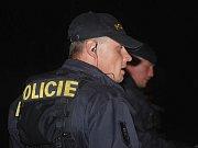 Policie vyšetřuje tři vraždy v Mukařově u Prahy