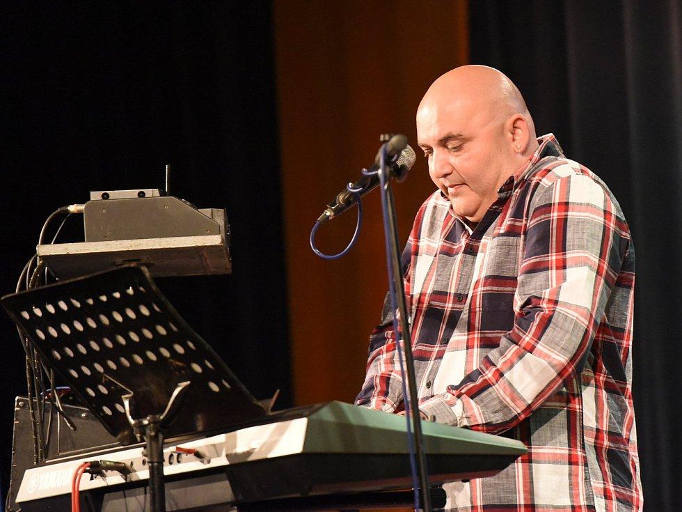 Vítězslav Murka a Roma Rýdl coby Duo Aramis bavili písničkami i vtipy.