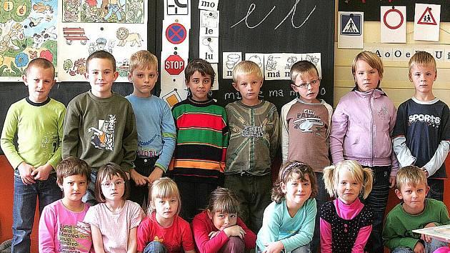 Letošní prvňáčci na Základní škole v Žiželicích