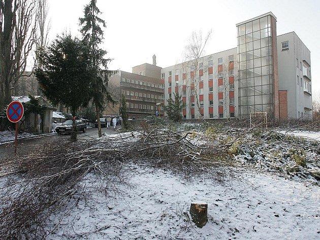 Přípravné práce na výstavbu nového pavilonu v kolínské nemocnici
