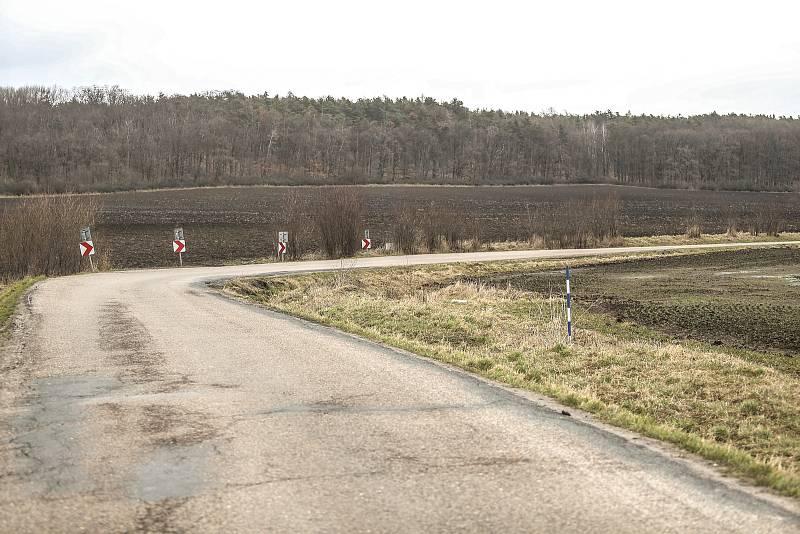 Kudy by měla vést vysokorychlostní trať? Okolím Kounic.