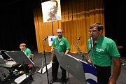 V rytmu kapely Peprmint Band tančily nejen Marušky.