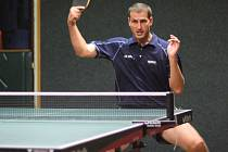 Opora stolních tenistů Kolína Radim Hořejší po operaci kolene stále hledá loňskou formu.