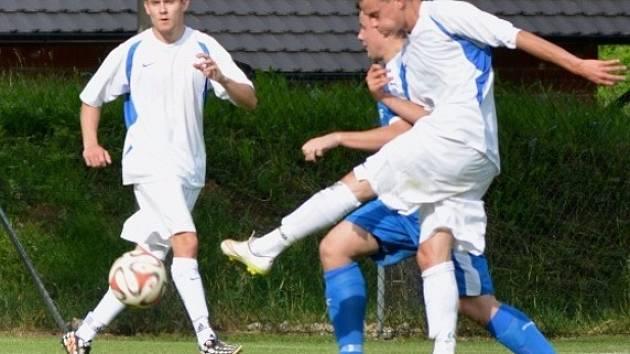 Z utkání Jevany - Plaňany (2:1).