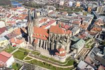 Okolí chrámu sv. Bartoloměje v Kolíně prochází rekonstrukcí.