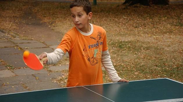 Z turnaje ve stolním tenise v klubu Zvonice