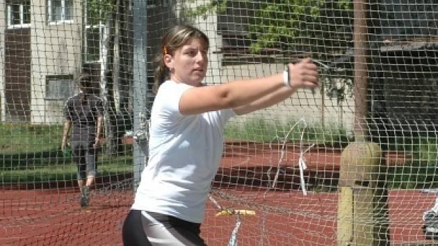 Kladivářka Kateřina Šafránková se díky splnění limitu už může v klidu připravovat na juniorské ME.
