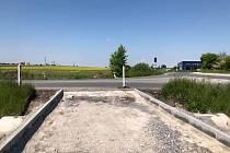 Místo u Ovčár, kde bude napojena cyklostezka.