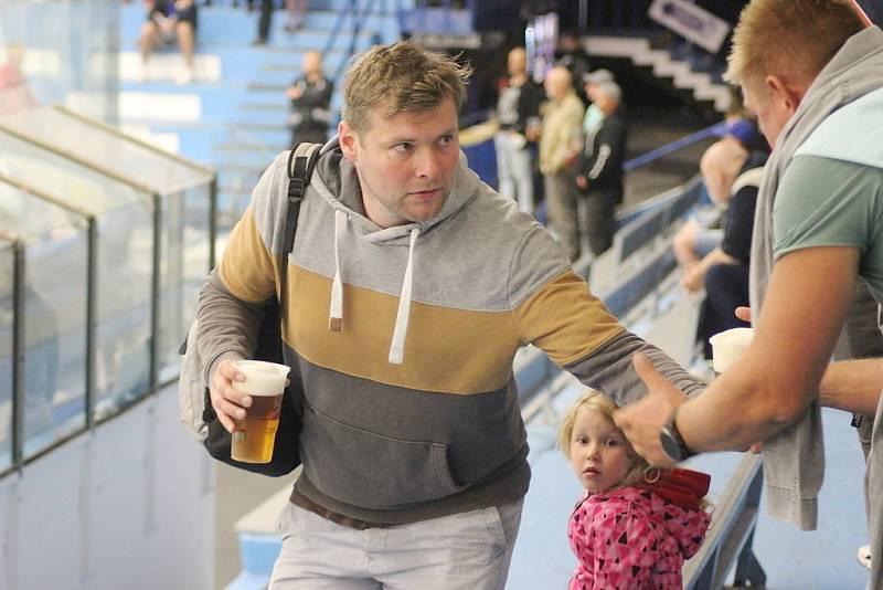 Z hokejového utkání Chance ligy Kolín - Vrchlabí
