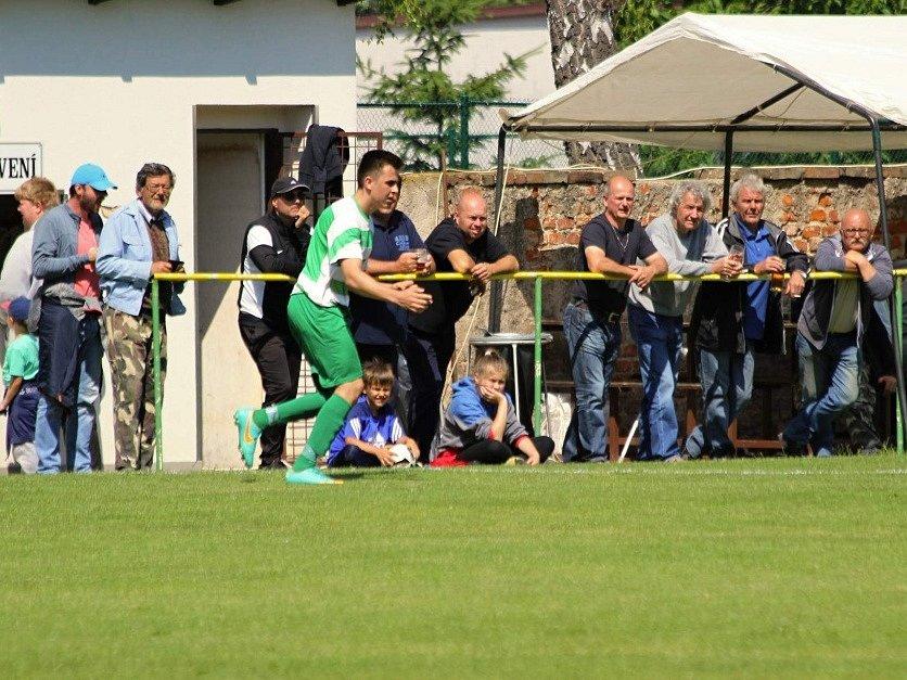 Z utkání Bečváry - Nučice (3:1).