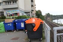 Kontejnery na tříděný odpad v těsné blízkosti Masarykova mostu opravdu nevypadají příliš pěkně. Díky podzemním kontejnerům zmizí