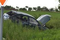 Smrt člověka si vyžádal střet motorky a osobního automobilu.