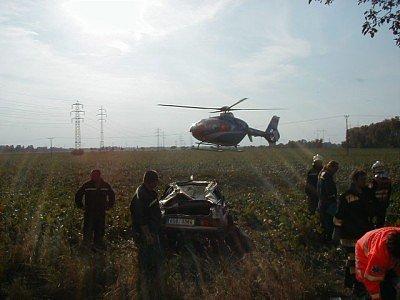 Tragická dopravní nehoda se stala mezi Vrbovou Lhotou a Pečkami. Jednatřicetiletý muž ji nepřežil.