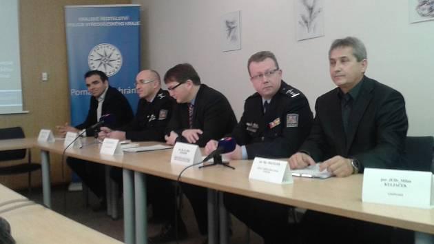 Z tiskové konference týkající se kolínského odboru dopravy.