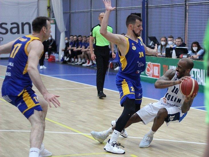Třetí utkání semifinálové série NBL BC Kolín - Opava (79:67).