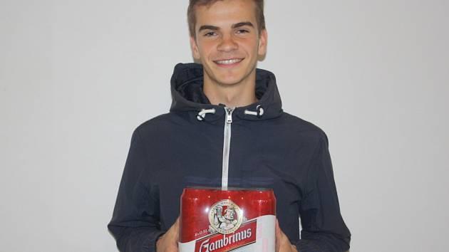 Páté kolo vyhrál Josef Nekolný starší z Českého Brodu. Cenu (karton piv značky Gambrinus) za něho převzal syn Josef.