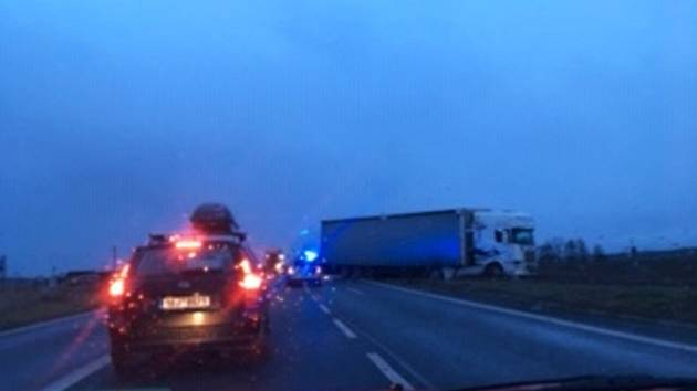 Dopravní nehoda na silnici I/38 u Libenic v pondělí 11. února 2019.