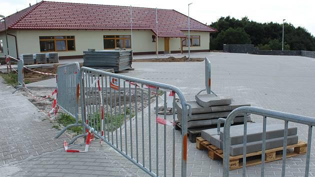Z výstavby Mateřské školy v Cerhenicích