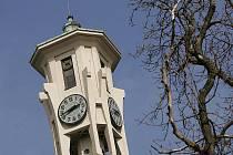 Kolínské gymnázium je architektonickým dílem, kulturní památkou, veškeré úpravy, jak připomněla zastupitelka Klára Zubíková, budou vyžadovat specifikace, které budou jistě dražší než v objektu, který kulturní památkou není.