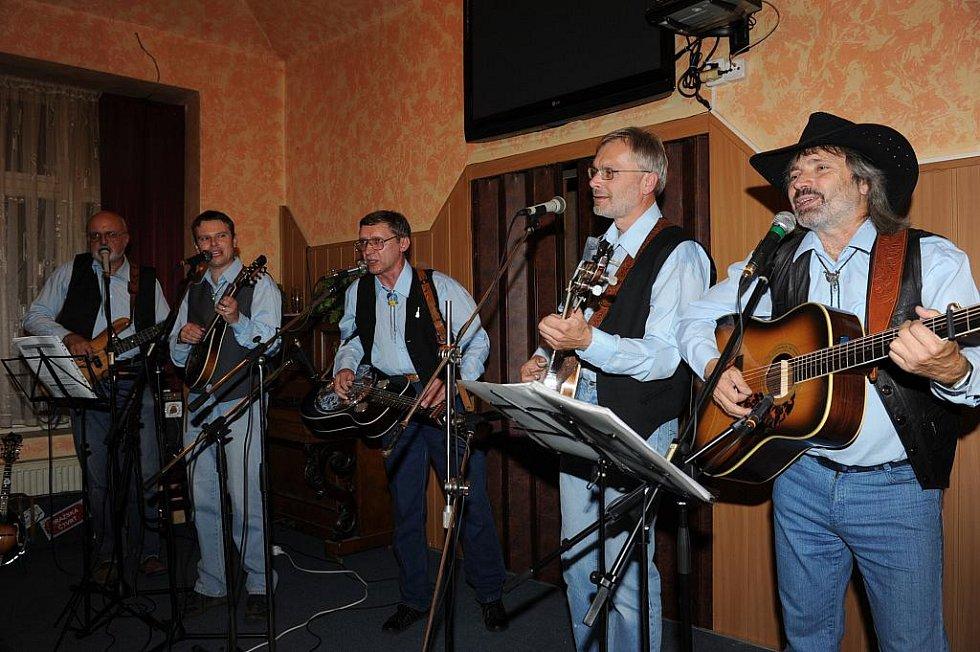 V Kolínském Saloonu zahráli Brzdaři a Wyrton