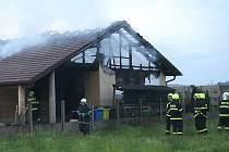 Požár bungalovu v obci Kořenice.