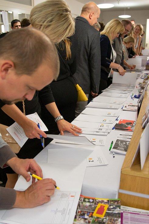 Sedmý ročník Benefice pro Leccoss se konal v pátek 24. listopadu 2018 v Kulturním domě Svět v Českém Brodě.