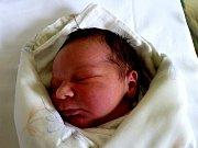 Jakub Kulhavý se narodil 13. června 2012 s mírami 50 centimetrů a 3710 gramů. Maminka Miroslava a tatínek Radek si ho odvezli za tříletou Barunkou do sousední Kutné Hory.