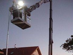 Instalace solárního osvětlení v Říčanech.