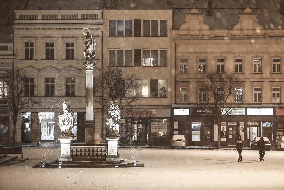 Večerní Kolín v pátek 19. března 2021.
